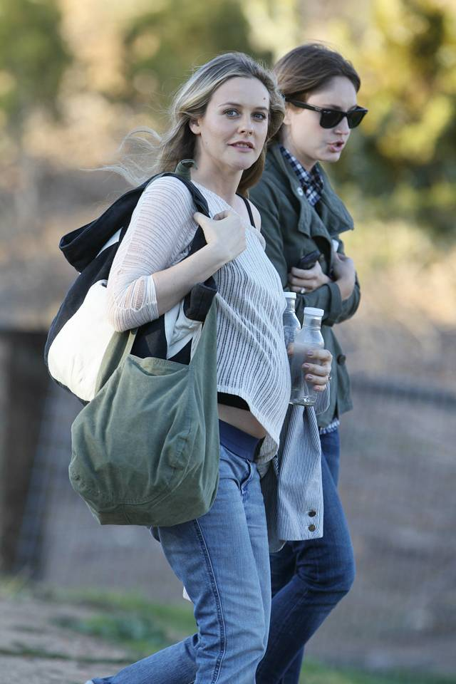 Alicia Silverstone Hairstyles Pictures, Long Hairstyle 2011, Hairstyle 2011, New Long Hairstyle 2011, Celebrity Long Hairstyles 2133