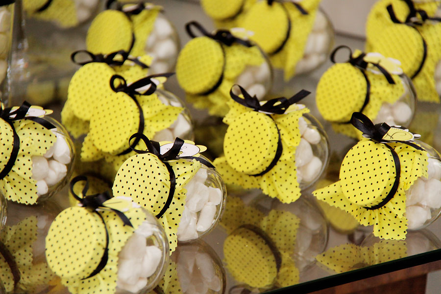 Sweet Customers  Bumble Bee Party From Brazil
