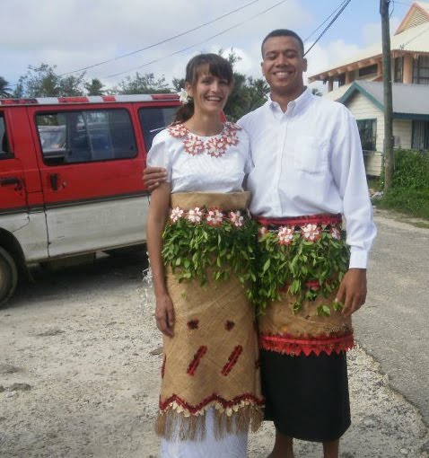 Tonga Traditional Wedding Dress http://msfukofuka.blogspot.com/2010/10/we-married-in-tonga.html