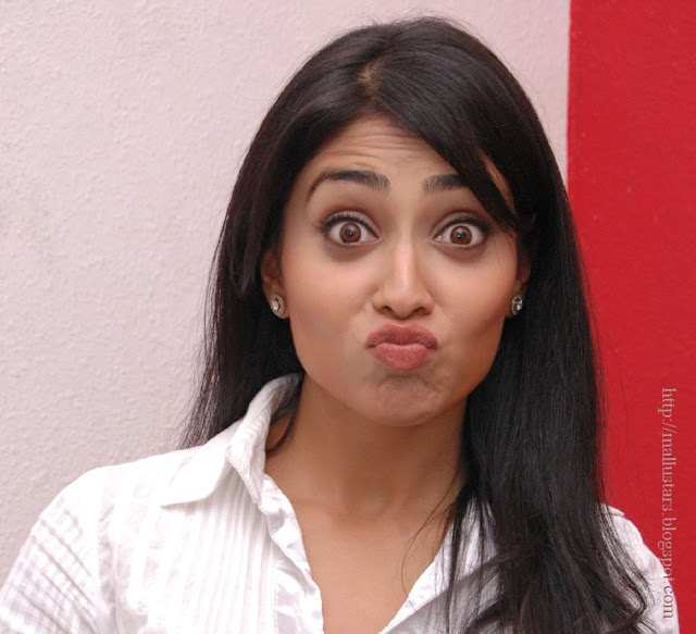 Shriya funny stills