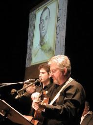 """Toño Blázquez y Diego Blázquez interpretando el poema """"Carta"""""""