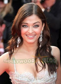 Aishwarya Rai Latest Romance Hairstyles, Long Hairstyle 2013, Hairstyle 2013, New Long Hairstyle 2013, Celebrity Long Romance Hairstyles 2412