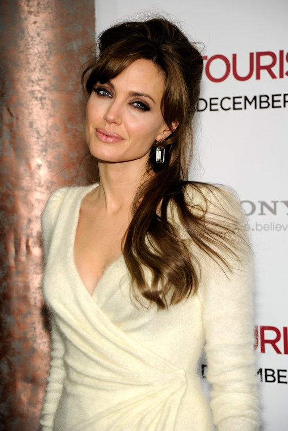 angelina jolie hair tourist. pictures angelina jolie hair