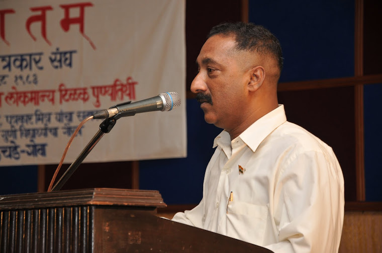 Replying to the felicitation on August 1, 2009 at Sanvordem.