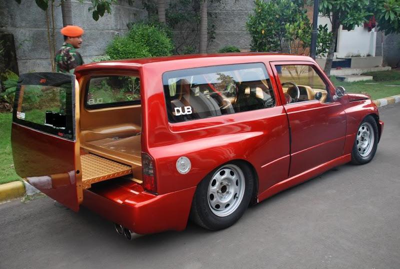 Suzuki Escudo title=