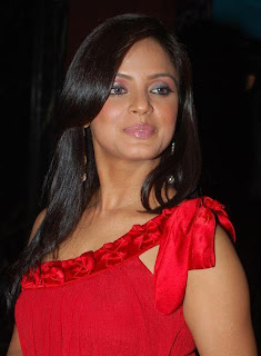 Neetu Chandra unveils a designer collection for Frontier Group