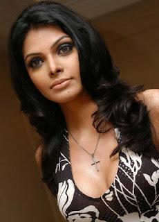 Sherlyn Chopra lifts up her spirits