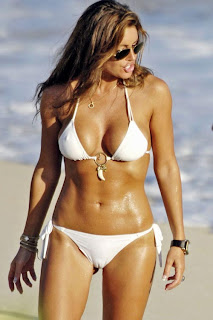 Tiger Woods' mistress Rachel Uchitel caught in White Bikini on Florida Beach