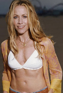 Sheryl Crow opens breast cancer centre in LA