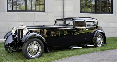 http://4.bp.blogspot.com/_i_AovfzNXgQ/SdLMIkit5GI/AAAAAAAAs-s/R9Wv6YcT6go/s400/1932+Daimler+Double-Six+Sport+Saloon.jpg