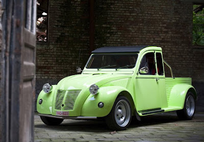 Popular french car 2cv page 11 the h a m b for Garage citroen grenade