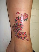 tattoo de flor da cerejeira