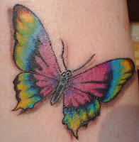 tattoo borboleta colorida