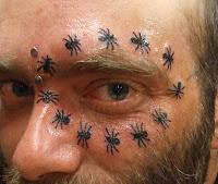 círculo de formigas olho tattoo