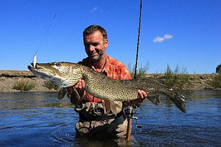 What a great looking Pike ?? Amur