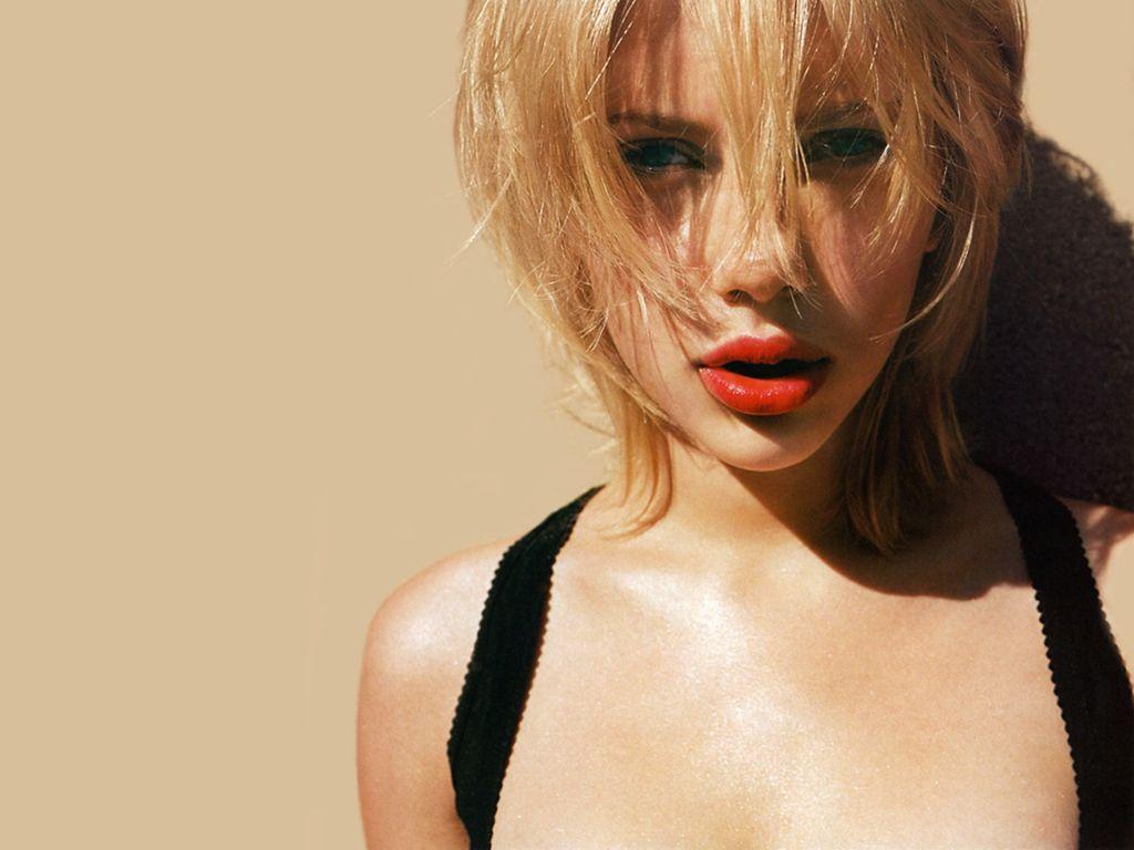 http://4.bp.blogspot.com/_icUYXkKXJtw/S9x0zMbp6zI/AAAAAAAAAvI/ZtRMMVaGWP8/s1600/Scarlett-Johansson-55.JPG