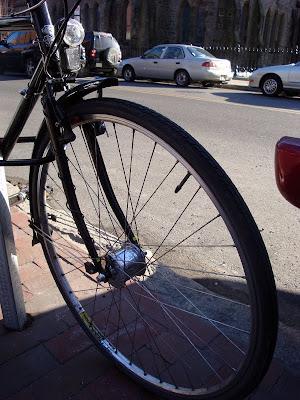 Dynamo hub wheel