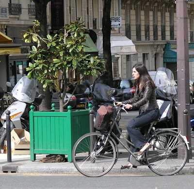 chic Parisian cyclist