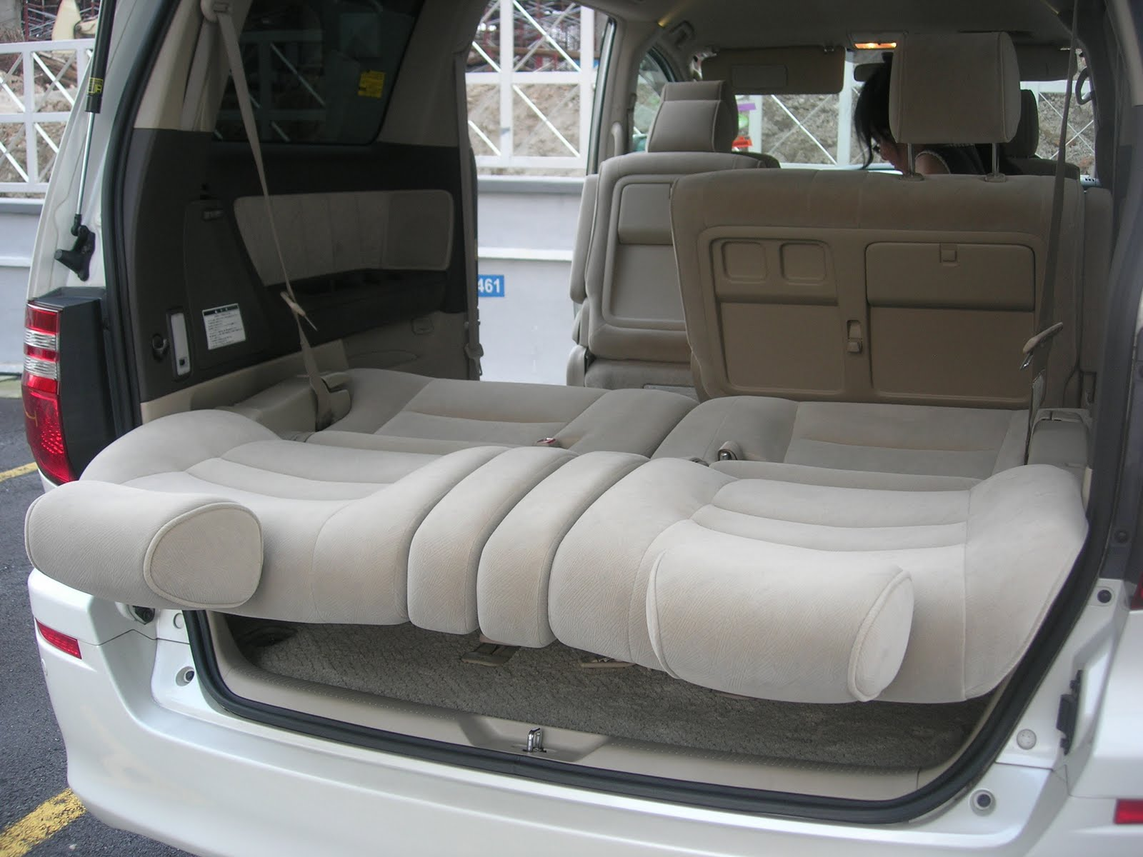 Here is a view from the rear of the car when the 3rd row seats are in flat position when the backrests are lowered