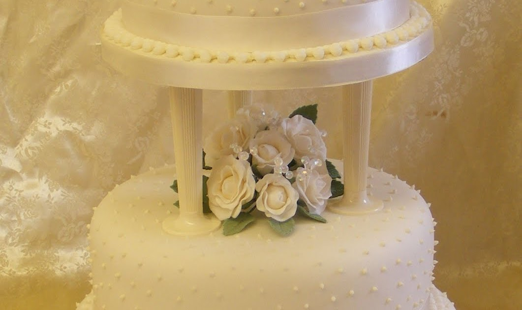 Cards & Other Crafty Bits: Wedding Cake for Anna