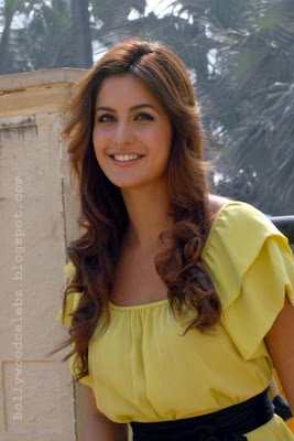 Katrina in yellow dress