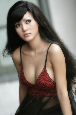 Cynthiara Alona Indonesian Sexy Celeb and Model