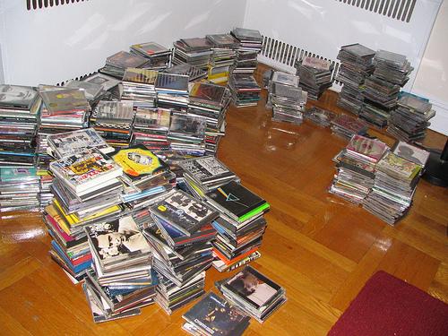 [big+pile+of+cd]