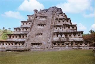 tajín piramide de los nichos