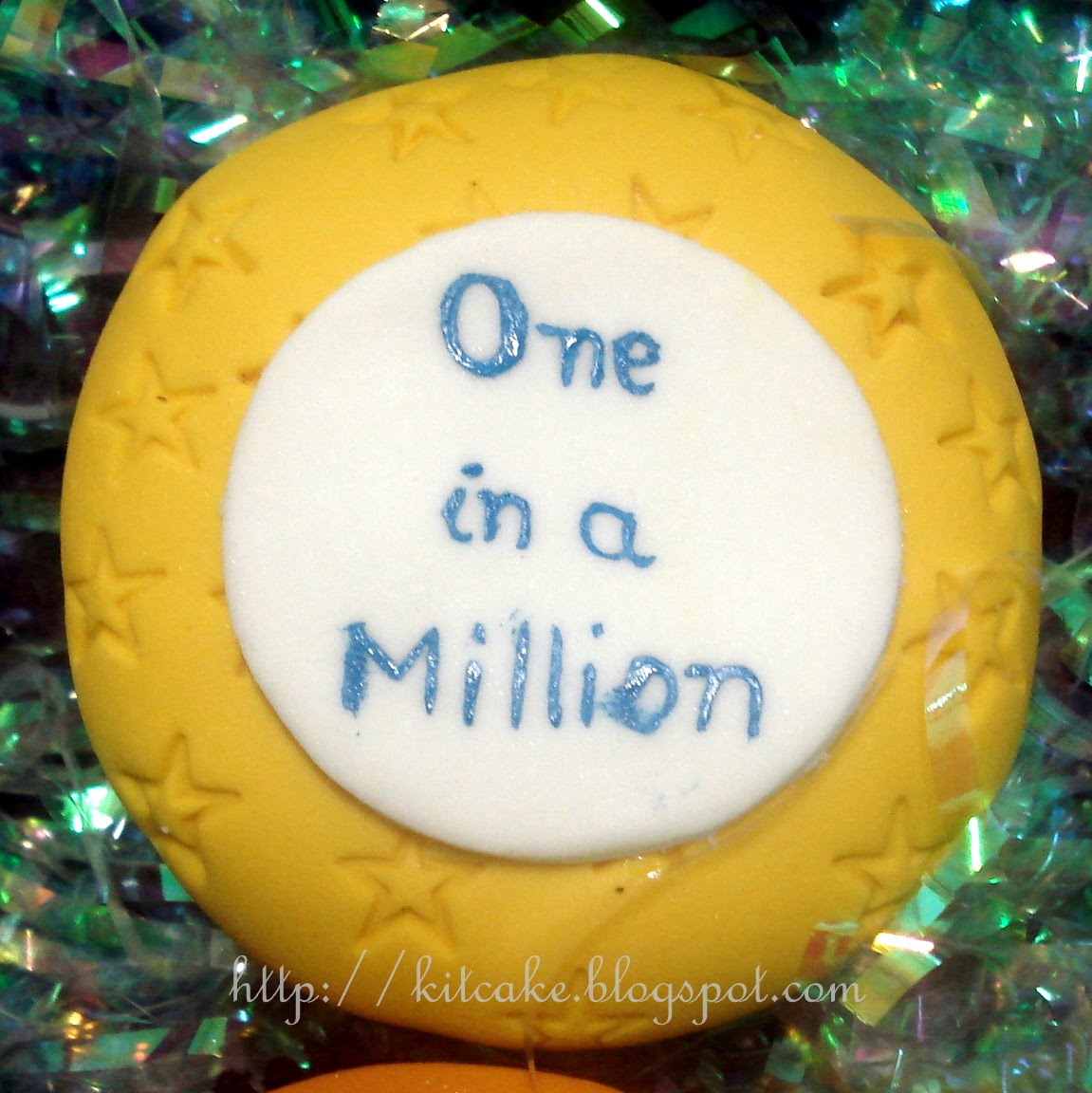 [kitcake+-+cupcakes+15+anos+(11).JPG]