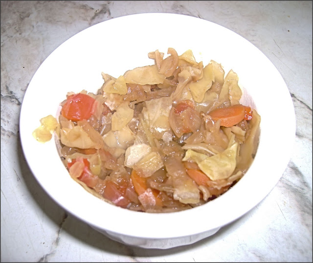 Easy Slow Cooker Cabbage Soup | College Food Recipes