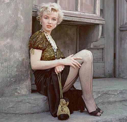 Marilyn Monroe con pantimedias de red
