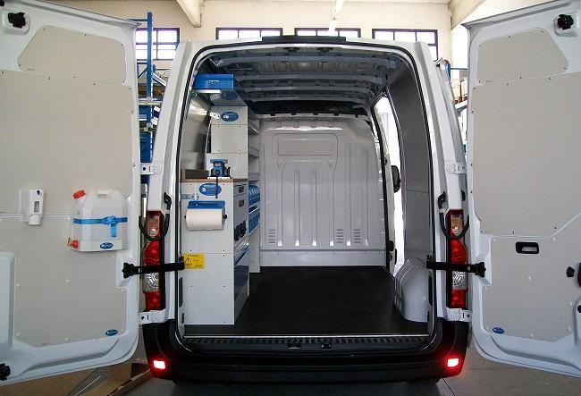 forum leggi argomento foto furgoni allestiti. Black Bedroom Furniture Sets. Home Design Ideas