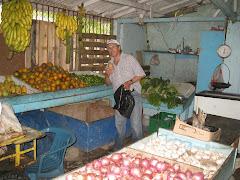 REP DOM 6 Una tienda