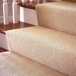 Nessa arrumação, aproveite também para separar coisas que não utiliza mais e doar, reciclar! E até fazer aquela limpeza anual de tapetes, carpete e ou ...