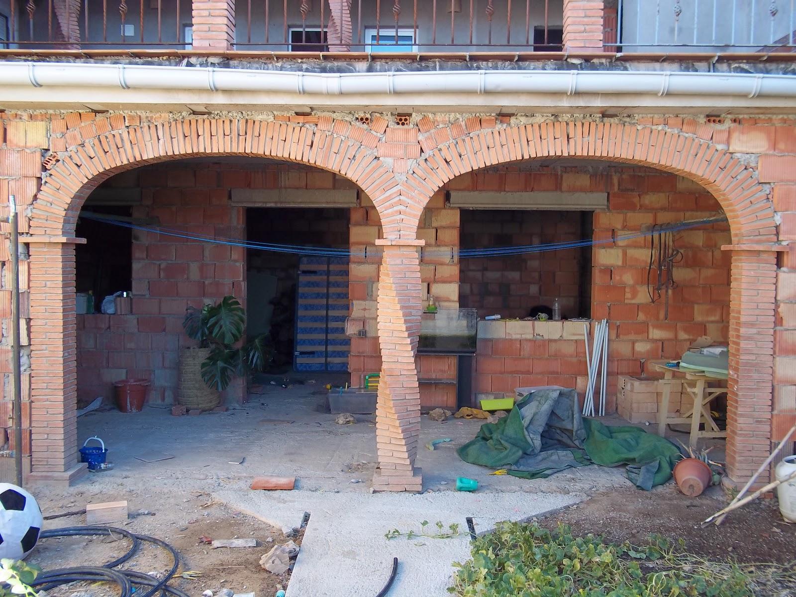 Empresa de construccion y rehabilitacion estilo rustico huelva sierra de aracena hinojales arcos - Arcos de ladrillo rustico ...