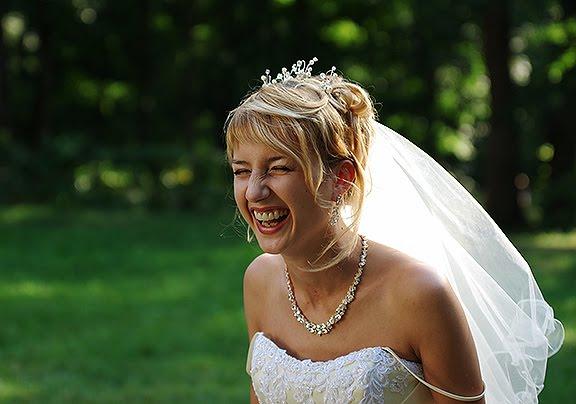 wedding bride laugh свадьба невеста смеется