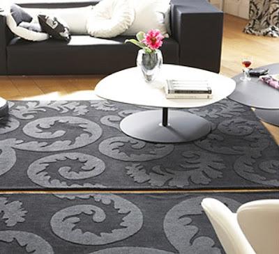 килими със стилизирани цветя.