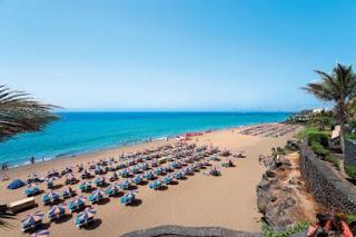 Puerto del Carmen en flott ferieby på Lanzarote