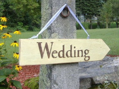 Etsy Find Wedding Direction Signs