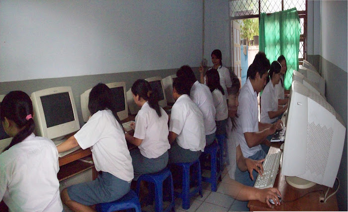 Praktek Komputer