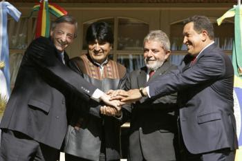 Faltam Mao, Fidel e Pinochet