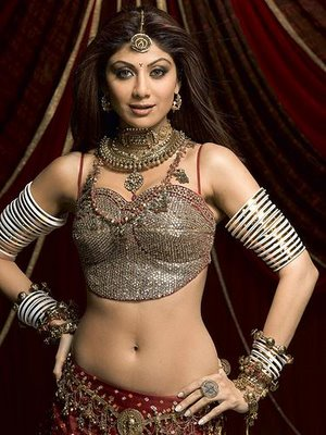 [celebrities-showcase-shilpa-shetty-miss-bollywood-musical1.jpg]