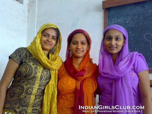 school days of an indian girl zitkaka sa The school days of an indian girl нет обложки.