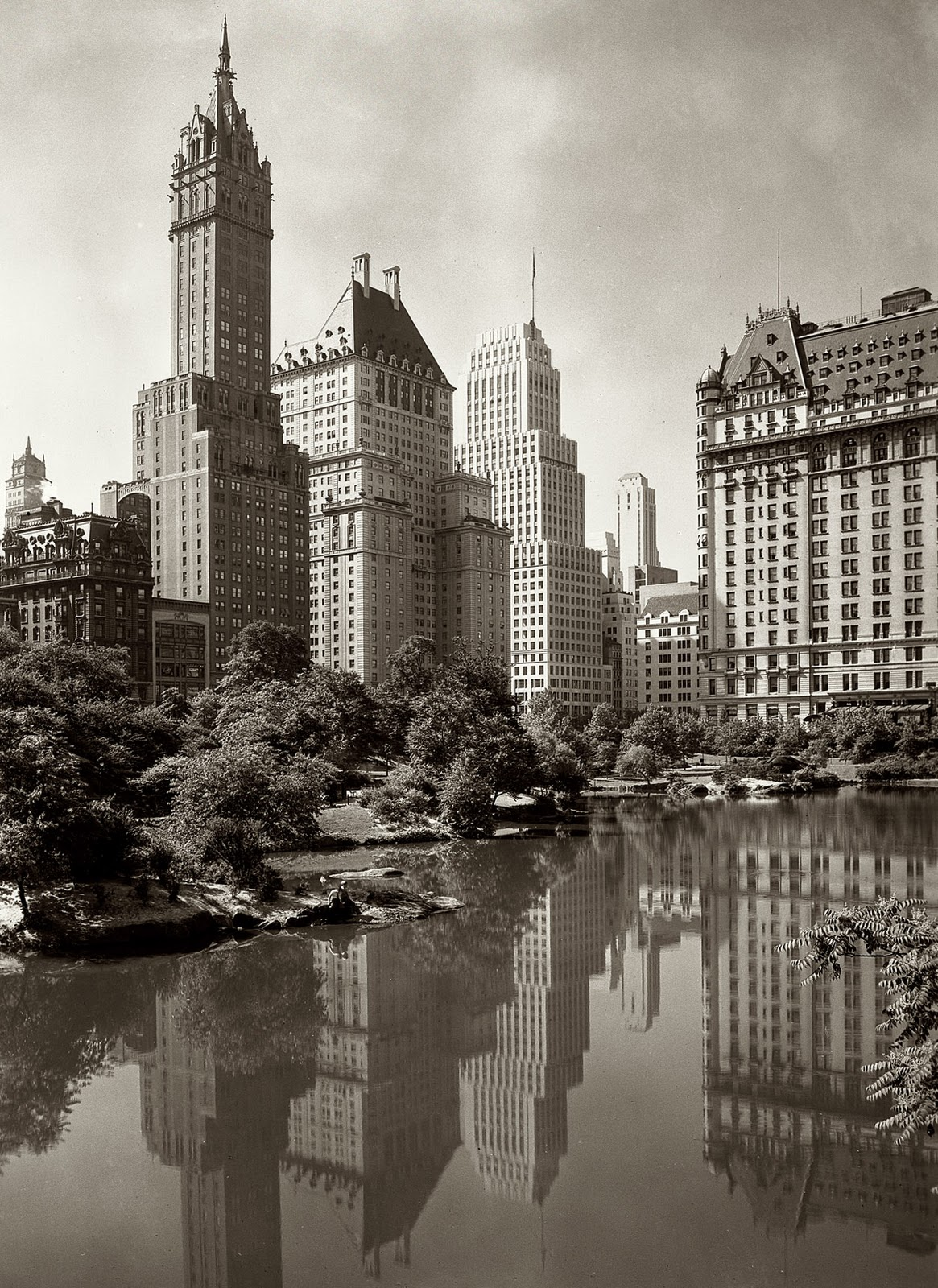 1933 a view across new york s central park lake framed by the sherry