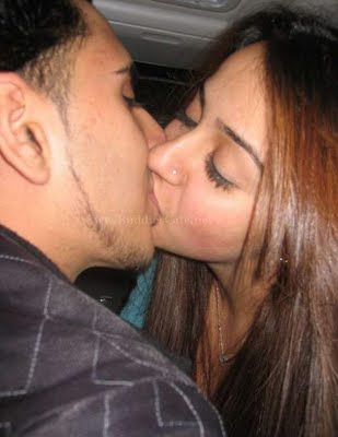 sexy indian girls kissing № 75393