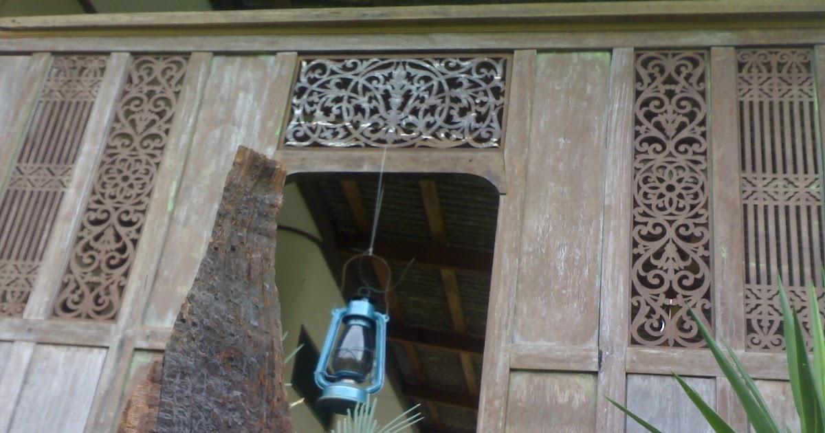 seni besar dinding kayu cengal lama