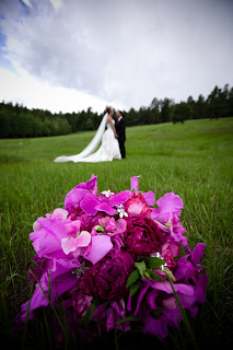 bouquet+with+bride+in+background Real Wedding Colorado - Krystal and Ben