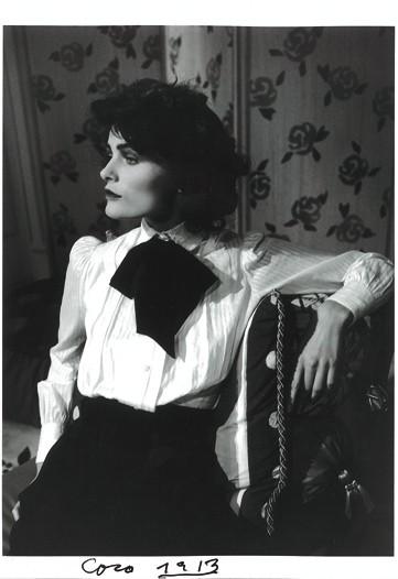 Znalezione obrazy dla zapytania Coco Chanel Biało czarny zestaw