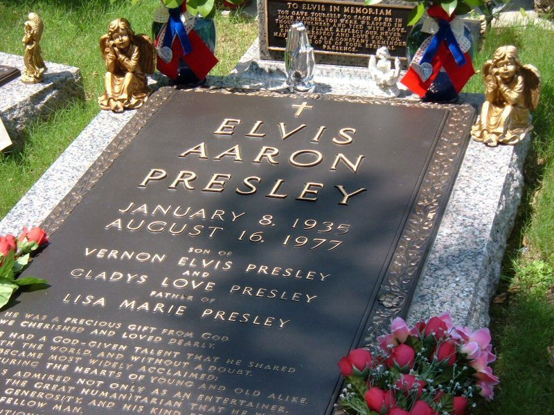 3414 additionally Parker Posey Boyfriend as well 202350 in addition Charles Bronson further Ice Cubes Gross n 5475301. on oscar gray obituary