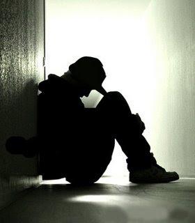 http://4.bp.blogspot.com/_ivy-e4j3ALg/TC6BtuppVlI/AAAAAAAAAbs/DCEfVfvOLRI/s320/cara+mengatasi+kesepian.jpg